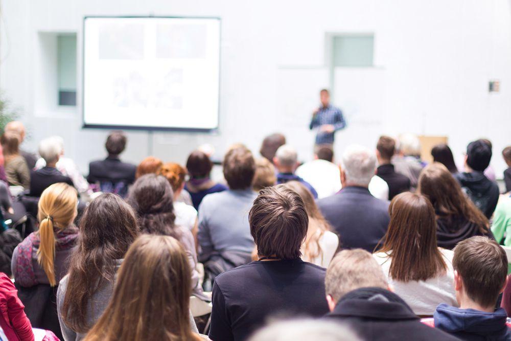 Організація проведення громадських обговорень, громадських слухань щодо рішень у сфері охорони довкілля