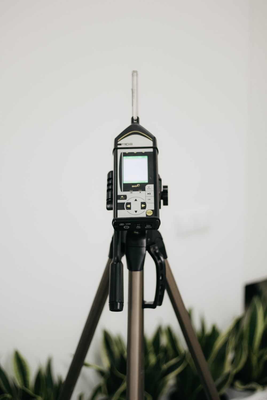 Проведення окремих аналізів (води, повітря, грунтів) і вимірювань фізичних факторів (радіації, електромагнітного поля, шуму, вібрації) - Фото №10