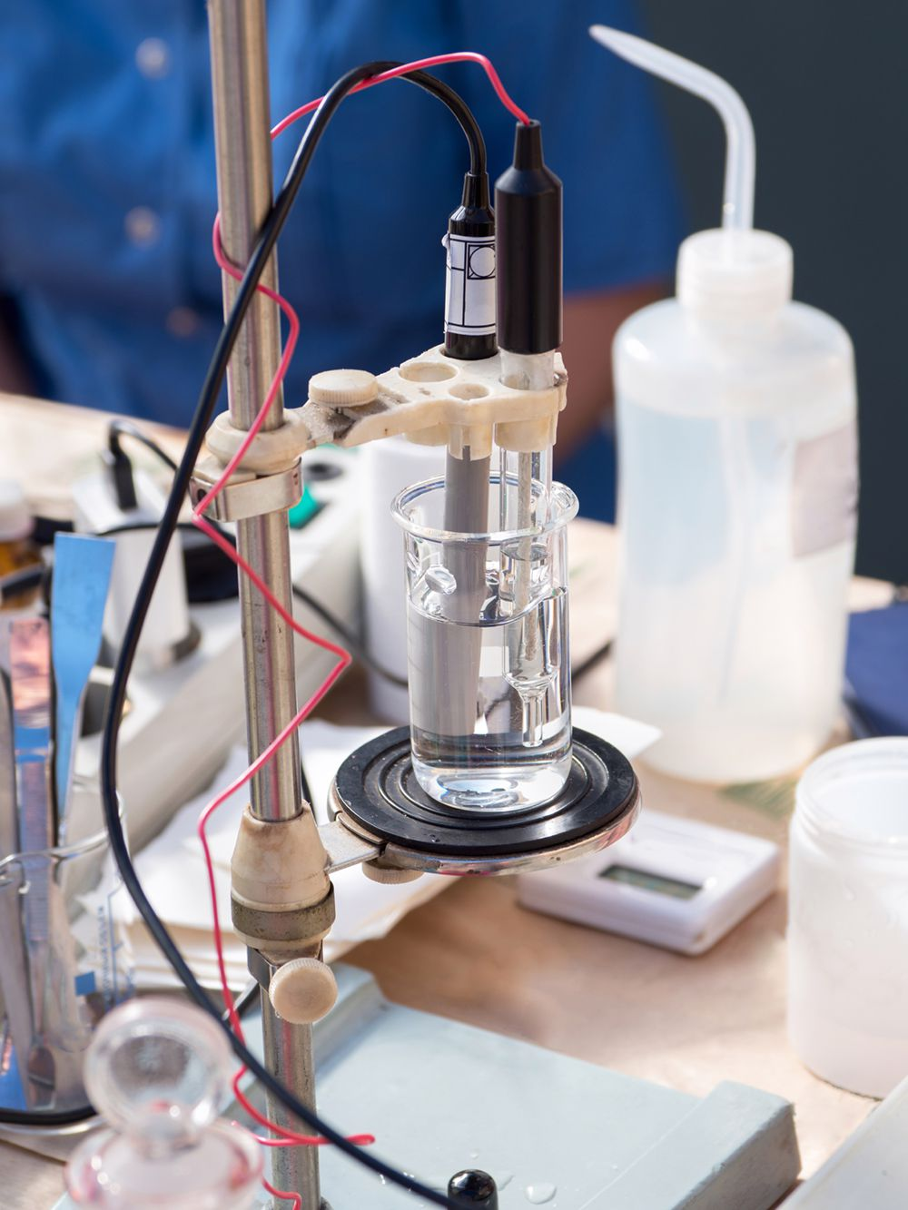 Проведення окремих аналізів (води, повітря, грунтів) і вимірювань фізичних факторів (радіації, електромагнітного поля, шуму, вібрації) - Фото №14